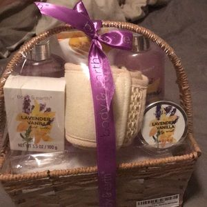 Body and Earth spa set